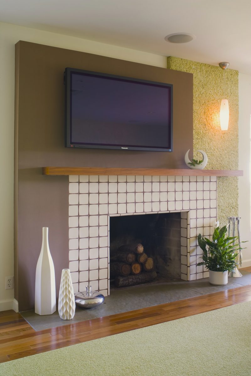Linda-allen-designs-midcenury-living-room-lounge-fireplace