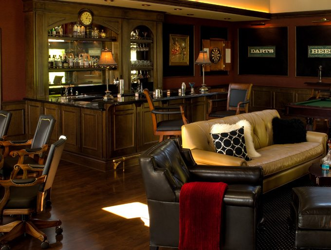Linda-allen-designs-lounge-old-world-Pub