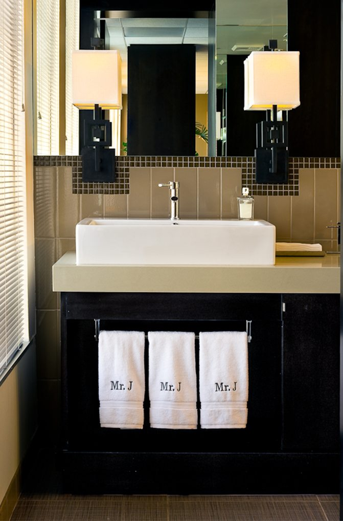 Magic-Johnson-Enterprises-Earvin Johnson-bathroom-linda-allen-designs