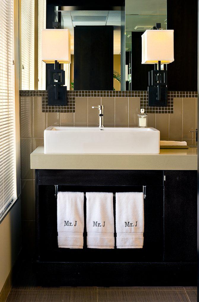 Magic-Johnson-Enterprises-Earvin Johnson-bathroom-linda-allen-designs