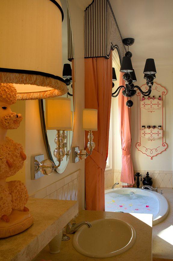 Paris Style Bathroom Decor: Bathrooms-Custom Personal Style-Linda Allen-Designs