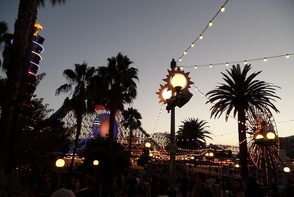 light-fixtures-linda-allen-designs-live-anywhere-paradise pier